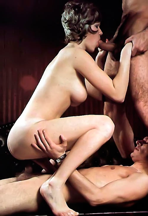 Milf lesbian sex pictures