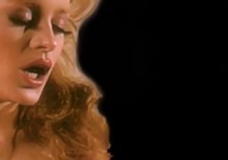 Candida royalle lisa de leeuw ian macgregor in vintage sex - 2 5
