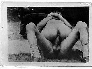 9c052ab4e9mbu p.jpg Vintage porn with guy penetrating moist nub slit